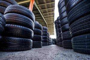 Fotografía corporativa para la empresa Neumáticos Poveda. Cliente: Agencia Kanbei
