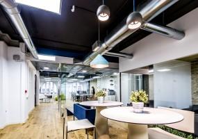 Fotografía de arquitectura e interiorismo de la sede de Peertransfer en Valencia. Cliente: Grupo Valseco