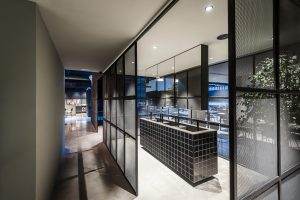 Fotografía de arquitectura e interiorismo del espacio gastronómico Merkato. Cliente: Grupo Valseco