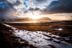 Fotografia de paisaje al atardecer en Ólafsvík, peninsula de Snæfellsnes (region de Vesturland, Islandia)