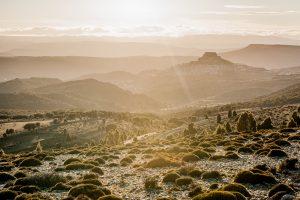 Fotografia de paisaje valenciano en la comarca del Ports con Morella al fondo, provincia de Castellon (Comunidad Valenciana)