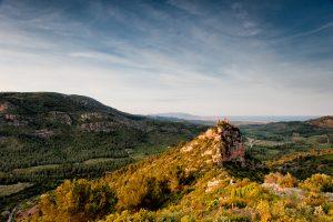 Castillo de Miravet en Cabanes, Parque natural del Desert de les Palmes, provincia de Castellón.