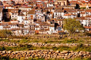 Fachada del pueblo de Vilafranca, provincia de Castellón.