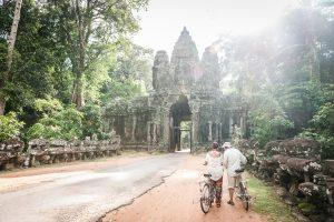 Turistas en los templos de Angkor, Camboya (Patrimonio de humanidad UNESCO)