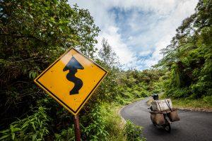 Carretera de acceso al volcán Ijen, Java Este, Indonesia