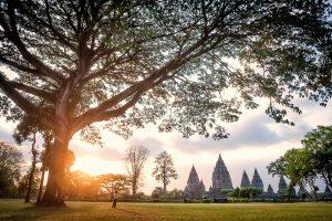 Templo hindu de Prambanan (Patrimonio de la Humanidad UNESCO) en Yogyakarta, Central Java, Indonesia.